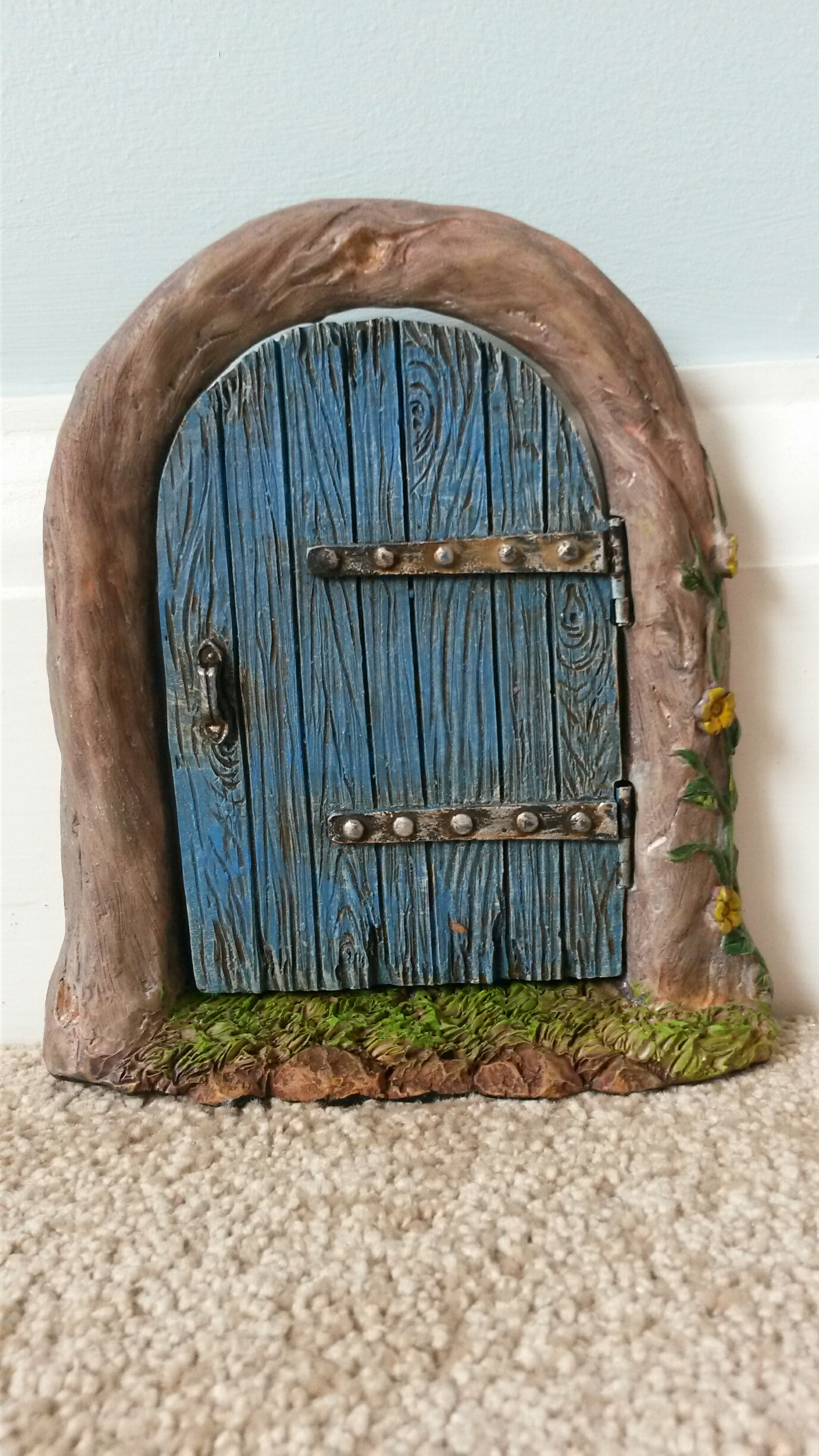 Colourful fairy doors for Fairy doors au