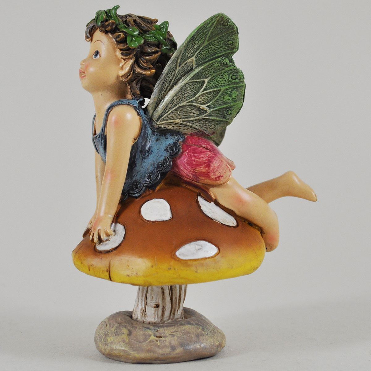 Flower Fairies Sitting On Mushroom Fairygardensuk Co Uk