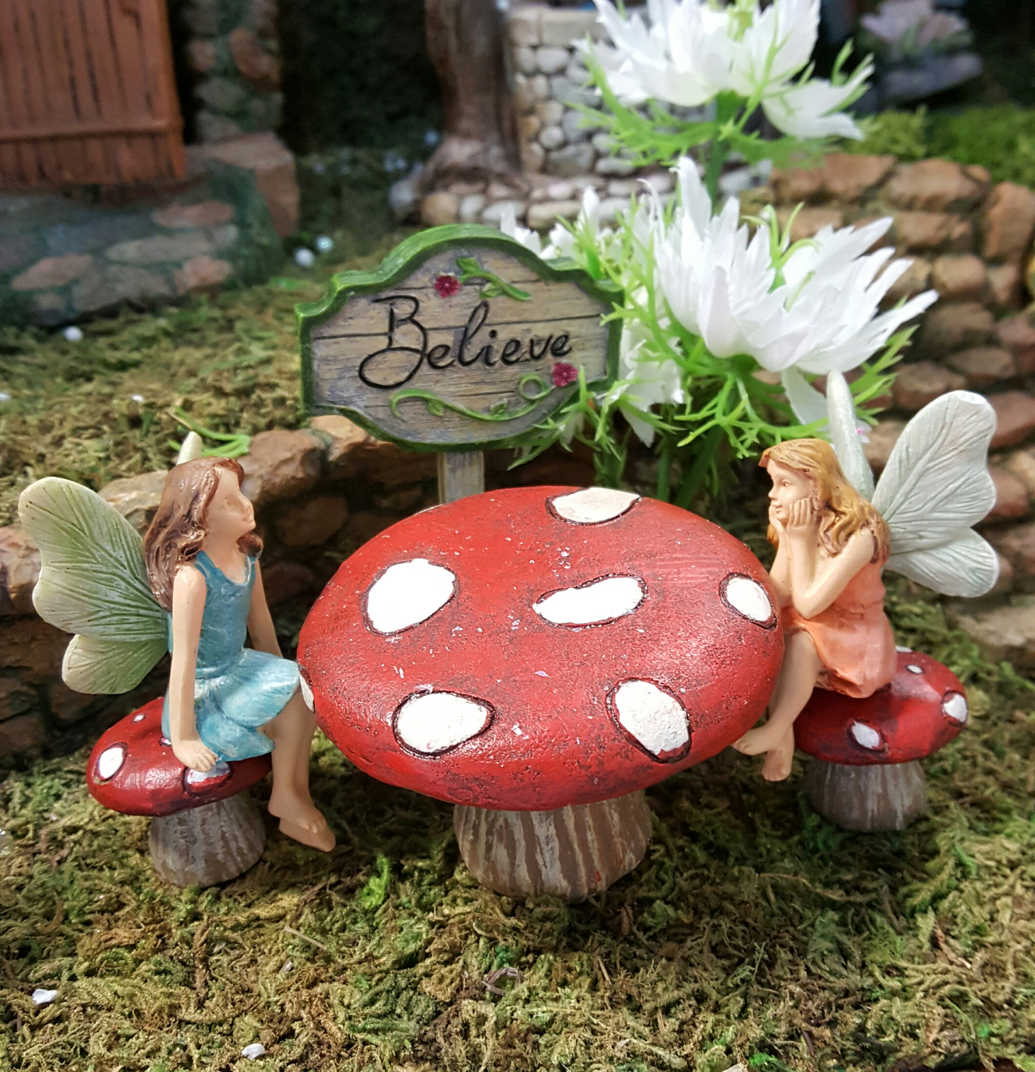 toadstool and seat set