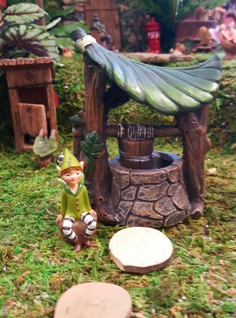 Gnome Garden: Mini Wishing Well-fairygardensuk.co.uk