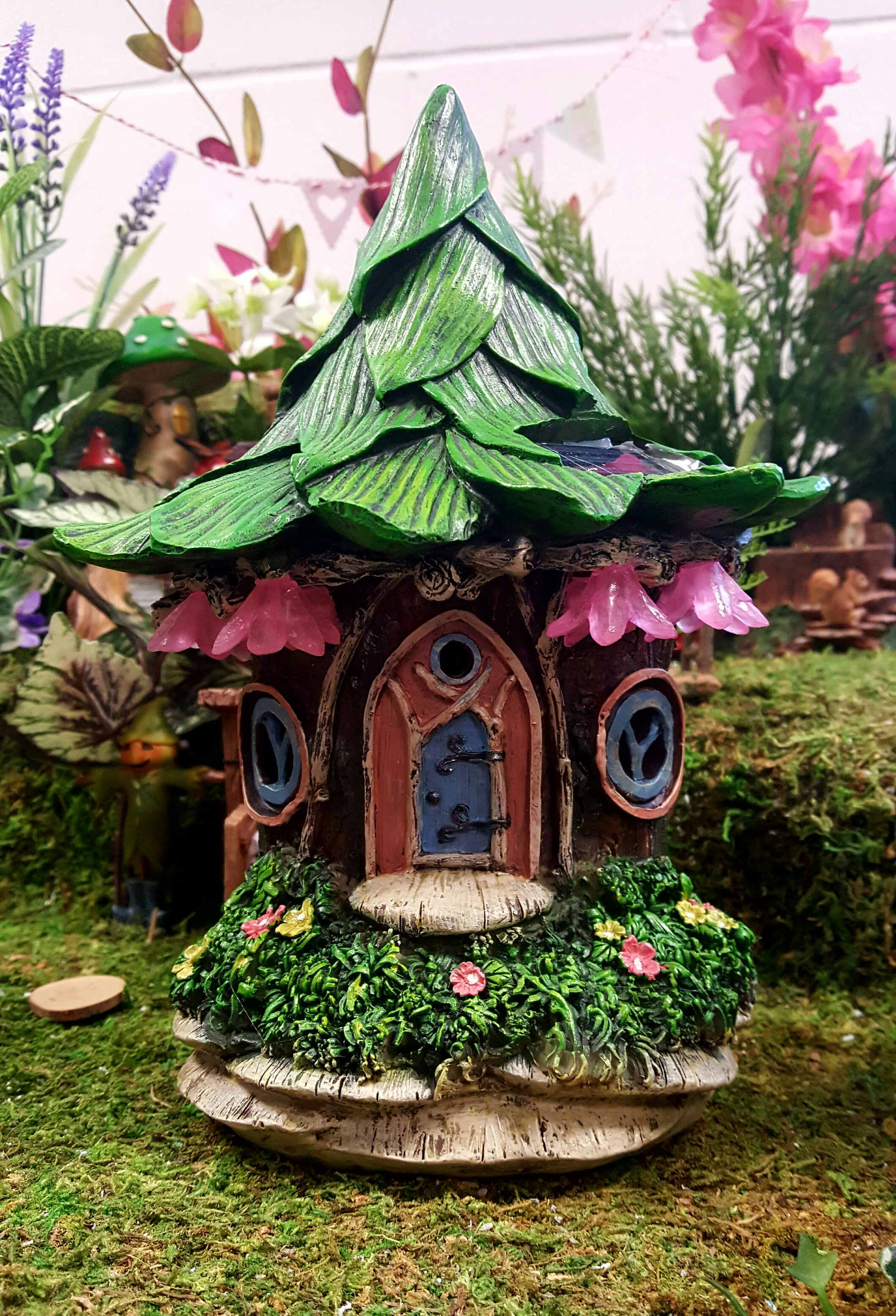 Solar flower fairy house-fairygardensuk.co.uk