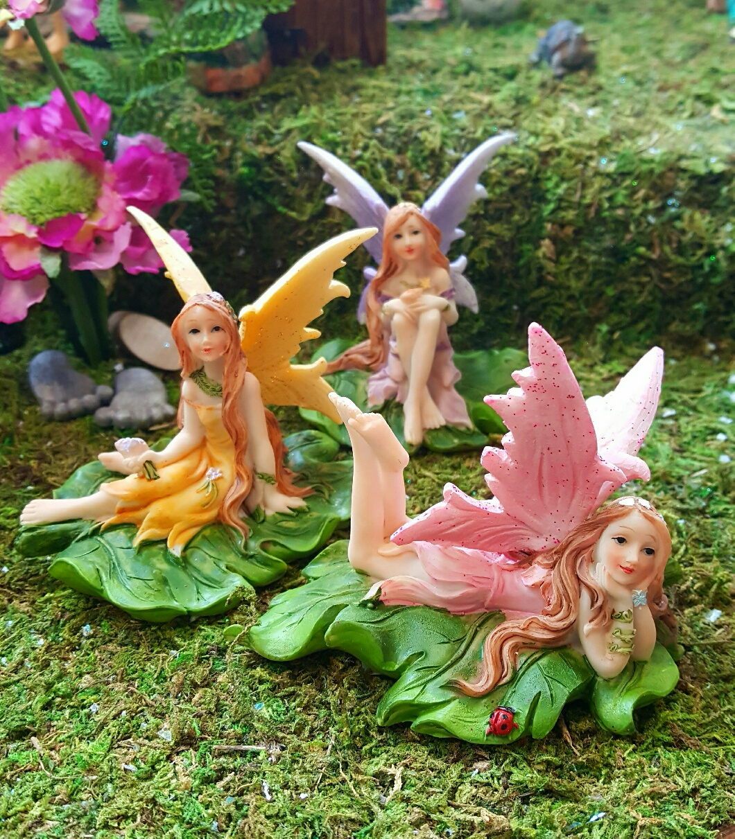 Floral Fairies On Leaf Fairy Gardens Uk