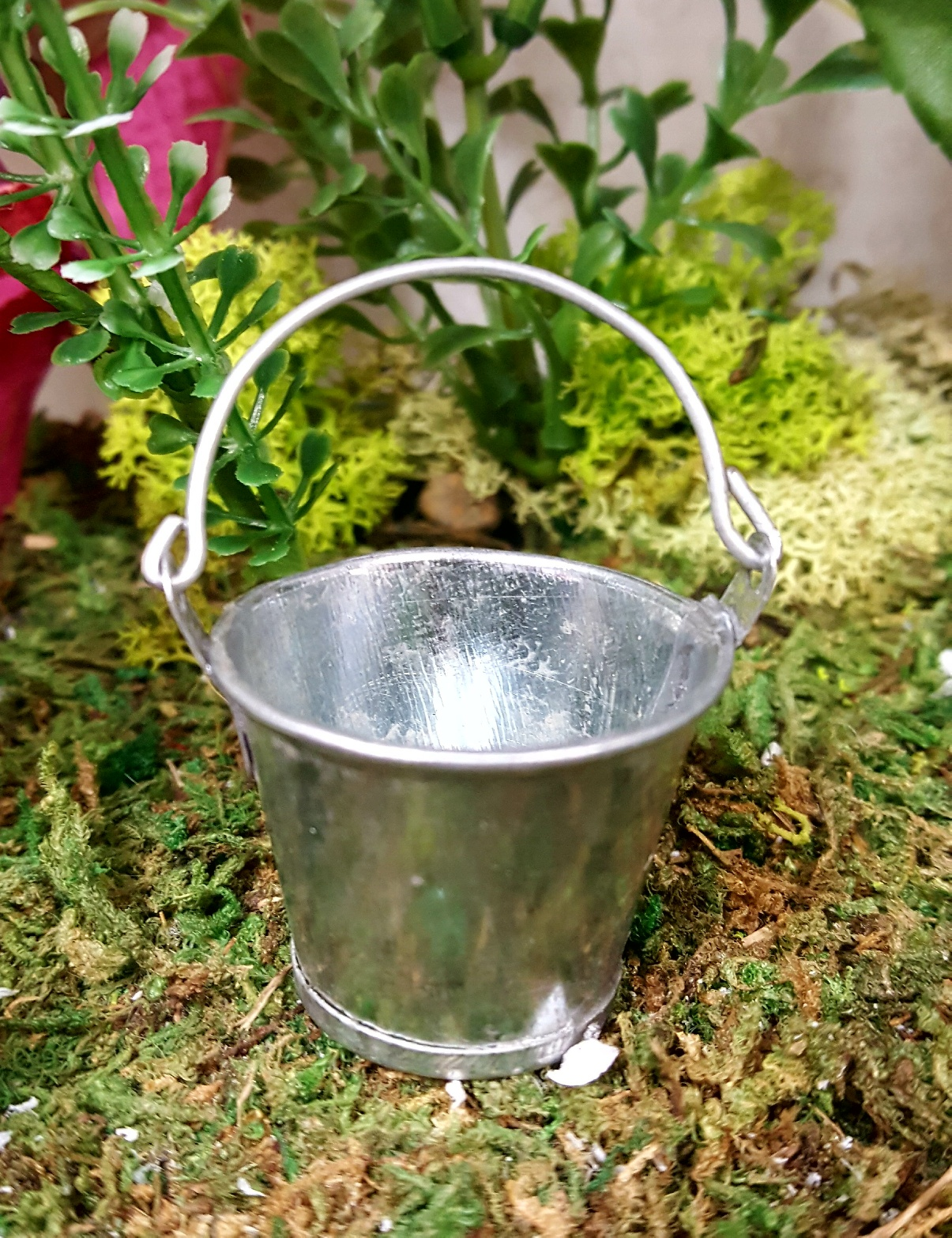 Gnome Garden: Small And Large Silver Buckets